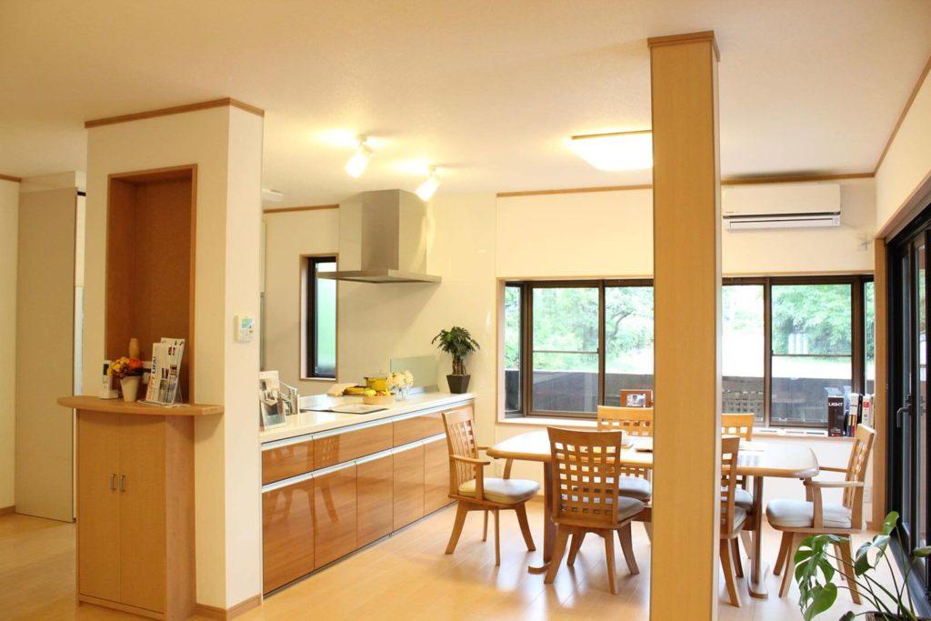 自然素材の内装でぬくもりを楽しむ家